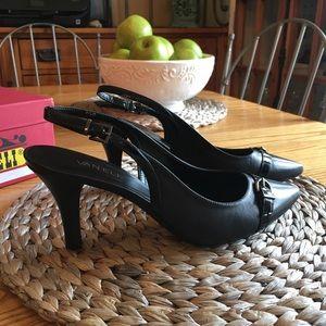 Vaneli Dalan black slingback Size 9.5